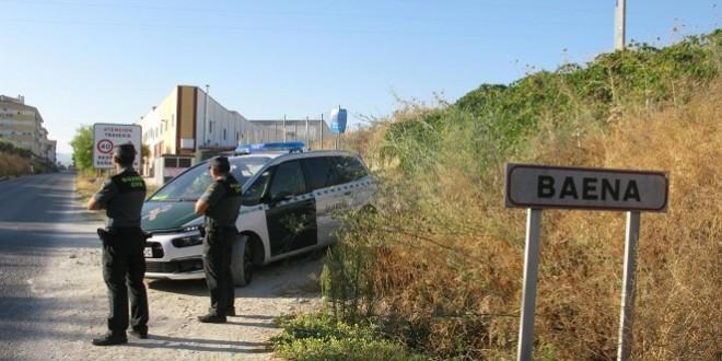 Una patrulla de vigilancia de la Guardia Civil en uno de los accesos a Baena. Foto: Guardia Civil