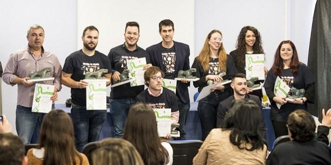 Los nueve investigadores baenenses que participaron en esta primera jornada 'Divulga tu ciencia'.