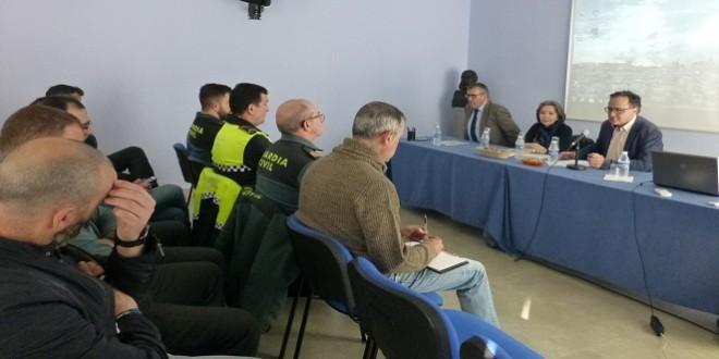 Agentes de la Policía Local y Guardia Civil que han participado en este curso formativo.