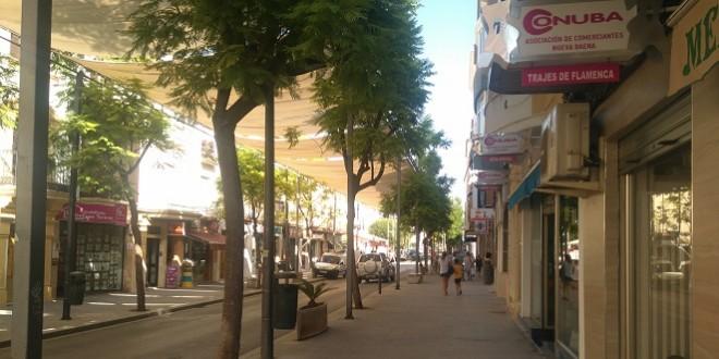 Imagen de archivo de una calle comercial de Baena.
