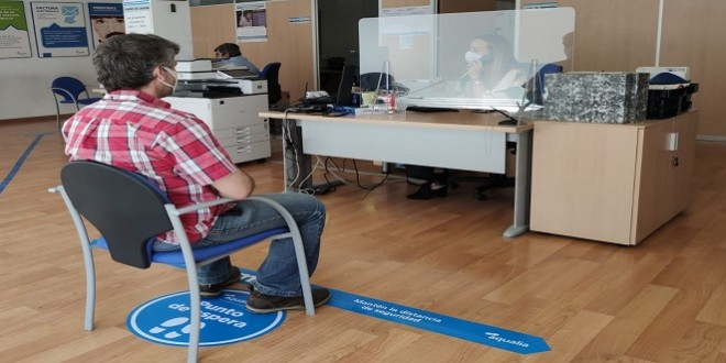 medidas de seguridad ante el covid-19 en la oficina de Aqualia en Baena. Foto: Aqualia.