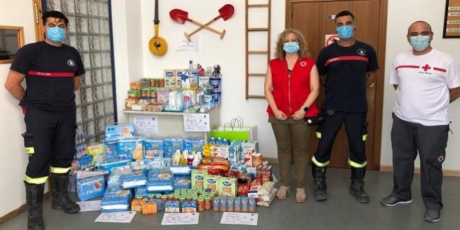 Productos recogidos por los bomberos de Baena en la 'Operación Baby' y donados a Cruz Roja. Foto: Cruz Roja Baena.