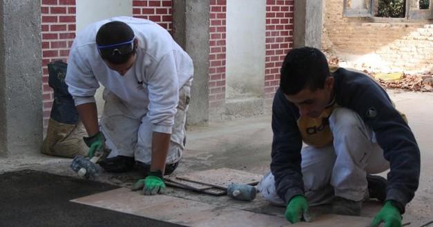 El sector de la construcción ha sido el que más contrataciones ha acaparado en el mes de mayo en Córdoba. Foto de archivo.