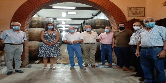 Bodegas Jesús Nazareno confía en la calidad de sus vinos ante la fuerte competencia del sector - Televisión Baena