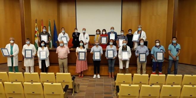 Entrega de las certificaciones de la Agencia de Calidad Sanitaria de Andalucía, ayer en el Hospital de Cabra. Foto: Junta de Andalucía.