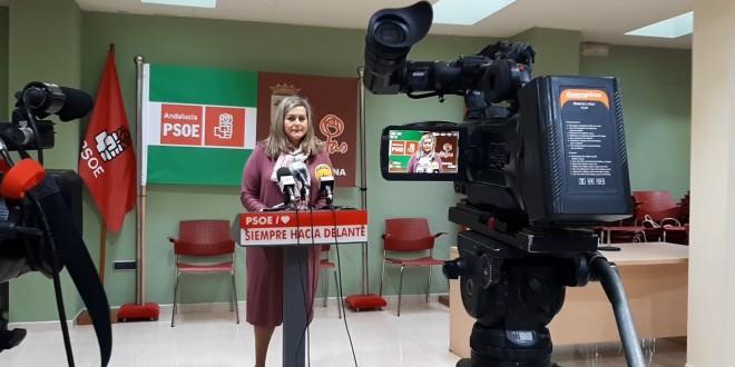 Mª Jesús Serrano, secretaria de Política Municipal del PSOE-A, ayer en la sede del PSOE de Baena. Foto: TV Baena.