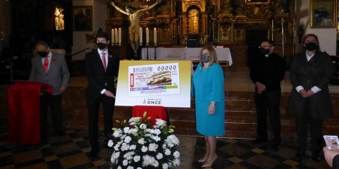 Presentación del cupón de la ONCE dedicado al Centenario de la Hermandad del Santo Sepulcro de Baena. Foto: TV Baena.