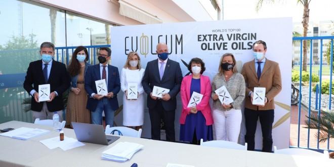 Antonio Ruiz en la cata final del concurso de la Guía Evooleum Top 100. Foto: Diputación de Córdoba
