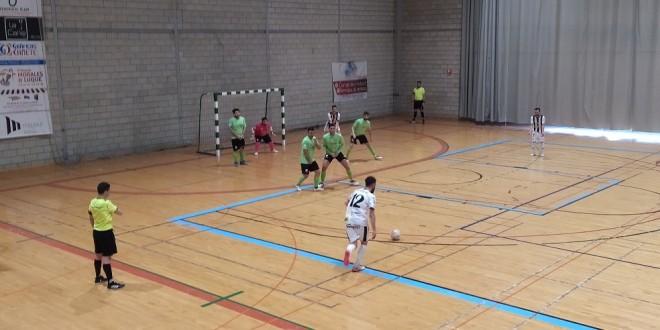 Una jugada en el partido disputado este sábado en el pabellón 'Juan Carlos I'. Foto: TV Baena.